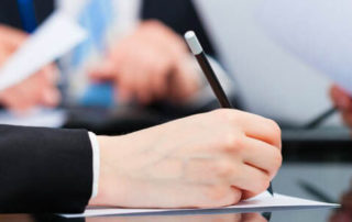 Ticaret hukuku, birçok farklı hukuk dalıyla koordinasyon içerisinde çalışan bir hukuk dalıdır.
