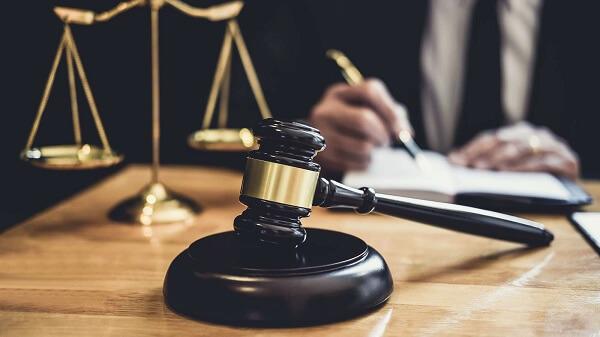 Yaş düzeltme davaları, Medeni Hukuk kapsamında değerlendirilir.